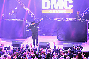 DirecTV Super Saturday Night Co-Hosted By Mark Cuban's AXS TV - Performance